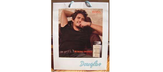 Douglas Tüte mit Orlando Bloom Duft BOSS Orange Man