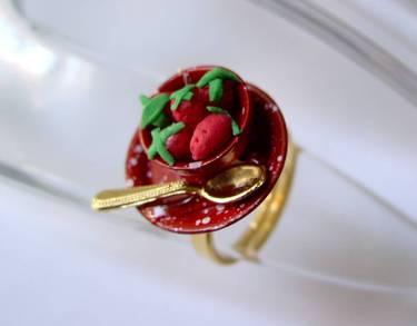 Ring Erdbeeren zum Frühstück (rot)