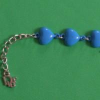 Armband mit blauen Herzen