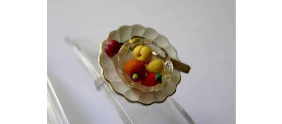 dollhouse-Ring Obstsalat mit Goldrand