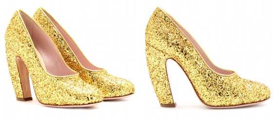 Goldfarbene Glitter-Pumps MIU MIU geschwungener Absatz