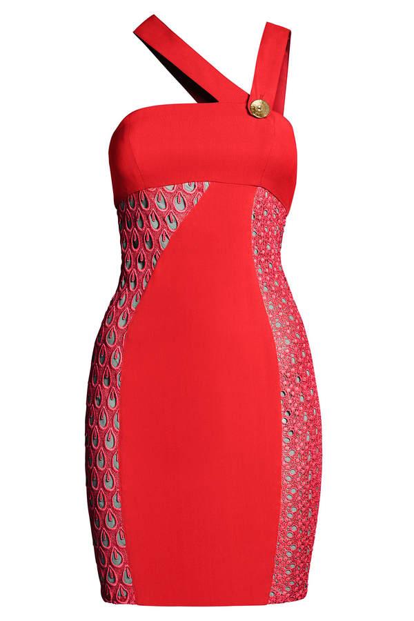 Versace for H&M Rotes Cocktailkleid mit asymetrischen Trägern und Lochstickerei
