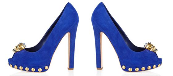 blauer Totenkopf Wildleder-Peep Toe von Alexander McQueen
