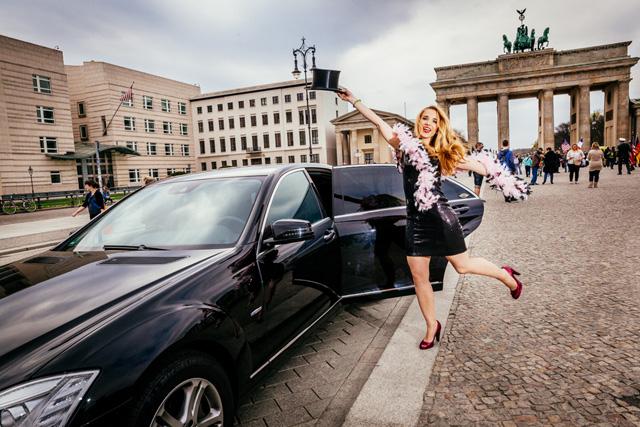 Marie vor dem Brandenburger Tor