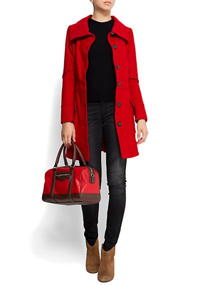 roter Mantel mit Stehkragen von Mango