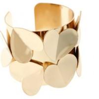 ASOS - Breites Armband mit 3D-Herzen von River Island