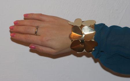 Breites Armband mit 3D-Herzen von River Island 1