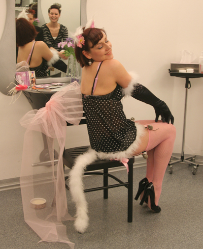 Burlesque-Performerinnen Sheera Champagne 1