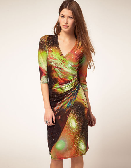 Forever Unique Kleid mit Galaxienmotiv von ASOS