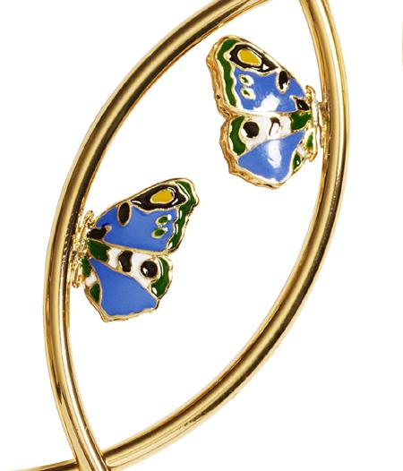 Ohrringe der Versace H&M Cruise Kollektion Detail