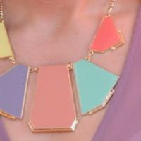 Meine neue pastellfarbene Kette von Zara