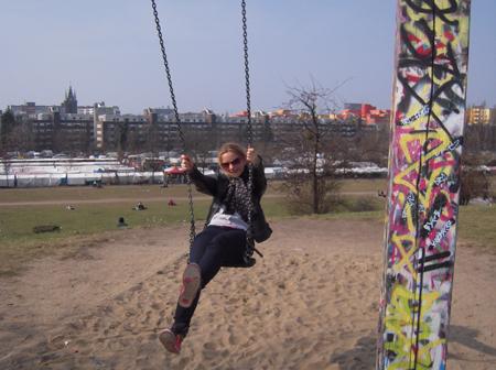 Prenzlauer Berg Schaukeln am Mauerpark