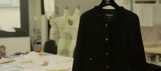 Schwarze Chanel Jacke Klassiker