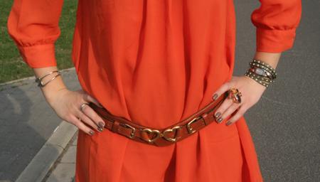 Tagesoutfit orangefarbenes Kleid 4