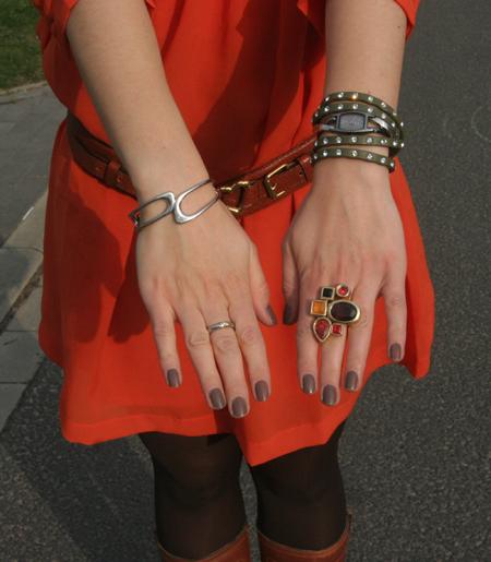 Tagesoutfit orangefarbenes Kleid 5