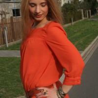Tagesoutfit orangefarbenes Kleid 7