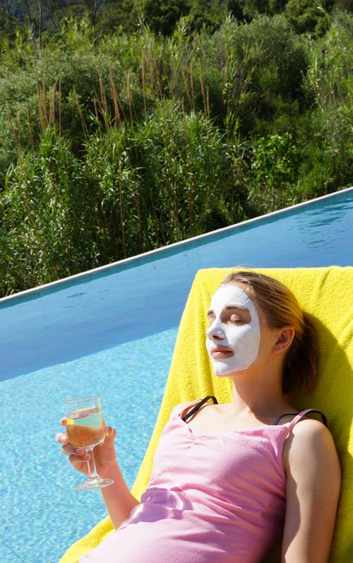 Entspannung im Urlaubmit einer Maske von Linden Leaves 1