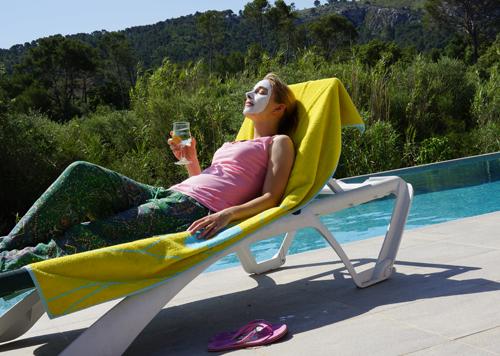 Entspannung im Urlaubmit einer Maske von Linden Leaves 2