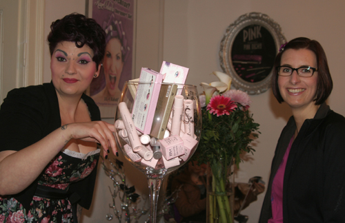 Spring Burlesque Shopping in der Hair Colada 5