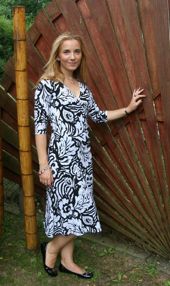 Dress Black & White 3