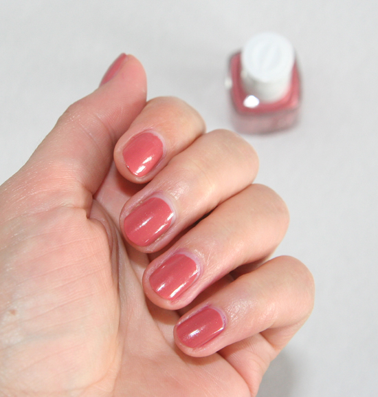 Essie Bikini so teeny Kollektion Nagellck All Tied Up 3
