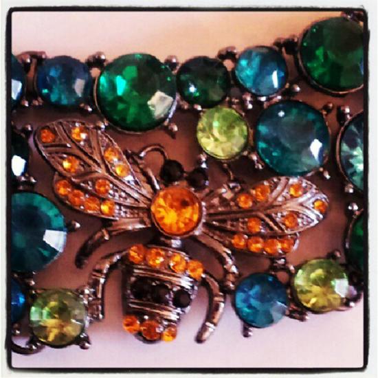 Meine neue Zara Halskette mit Glasbienen und Steinen 2