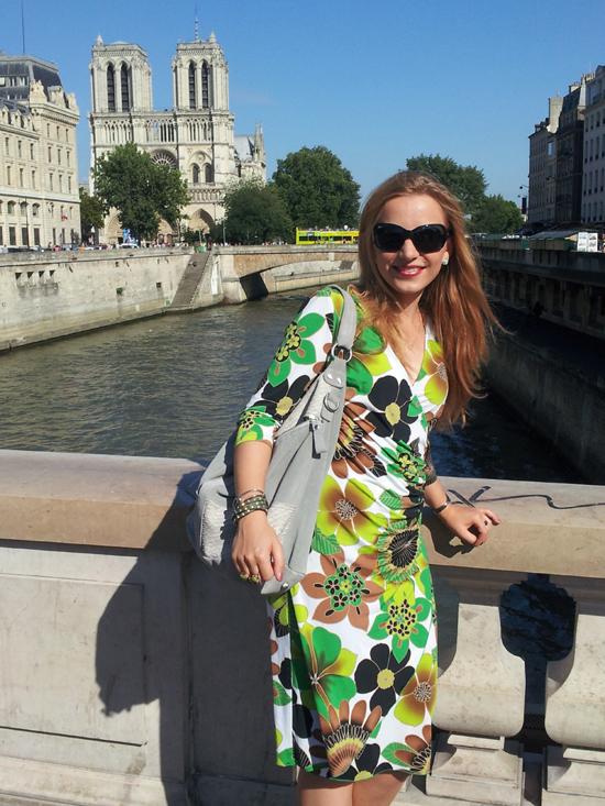 Vor der Kathedrale Notre-Dame