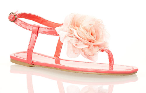 Schuh-Modell May