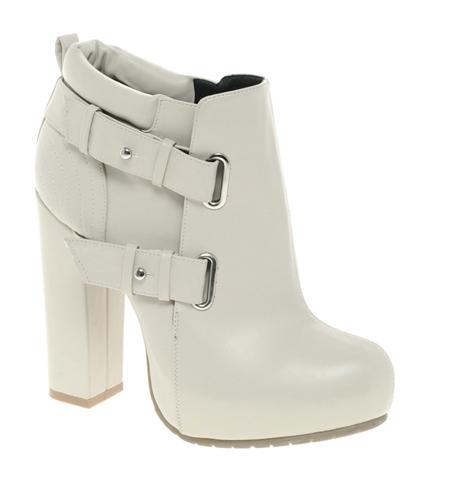 Weißer Stiefel von ASOS Collection