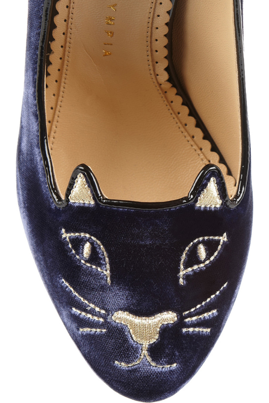 Charlotte Olympia's Kitty Samt-Pumps 2