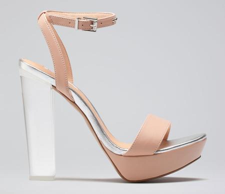 Sandale mit Acryl- Plexiglas-Absatz