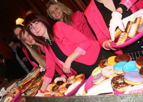 Los Banditos Goes Wild Party im Adlon Donuts