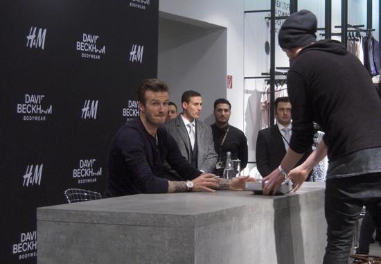 David Beckham bei H&M im Alexa Berlin 02