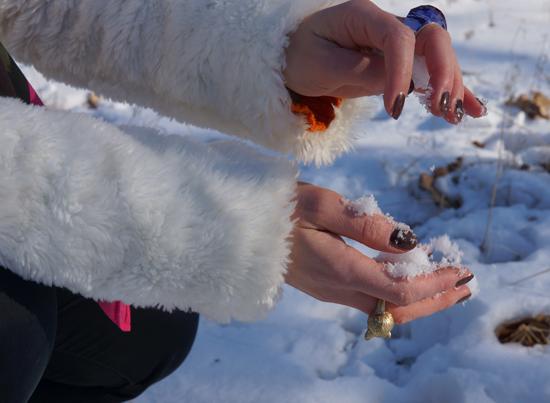 Ein Yeti im Schnee 07