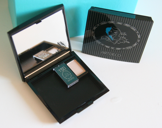 Douglas Box of Beauty Mai 2013 02