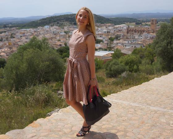 Chalotte Pulver Kleid 03