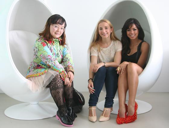Im Deichmann Design Atelier mit Designerin Nova Chiu und Fernanda Brandao