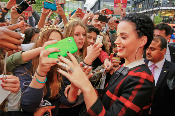 Katy Perry mit ihrem Duft Killer Queen in Berlin 004
