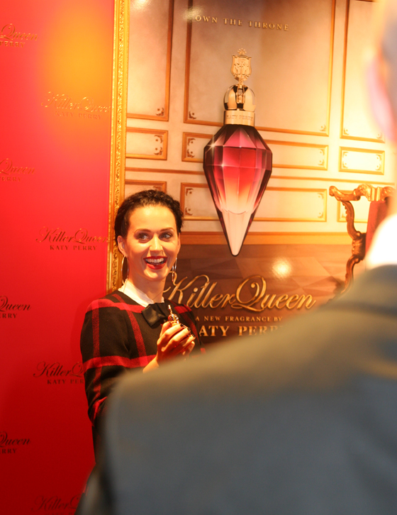 Katy Perry mit ihrem Duft Killer Queen in Berlin 04
