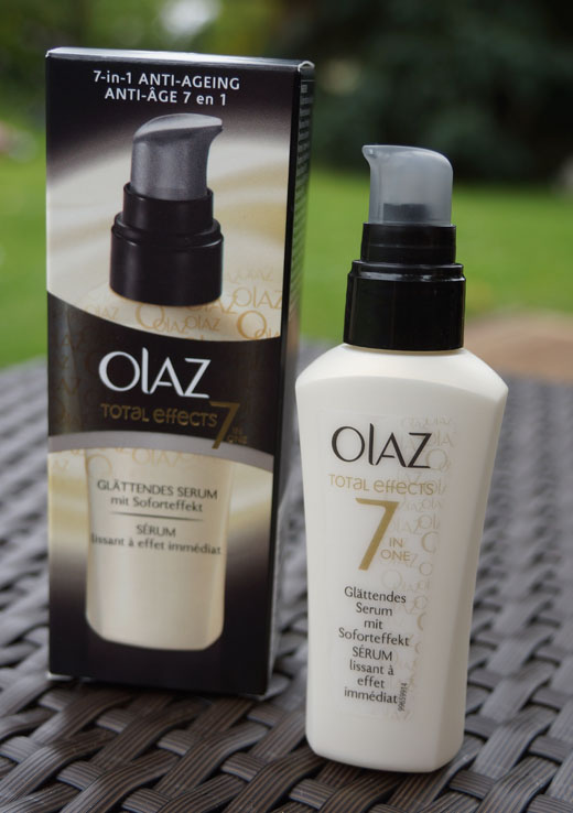 Olaz total effects 7in1 Anti Ageing Glättendes Serum 03
