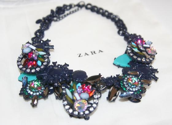 Zara Collier Kette mit geometrischen Steinen 02