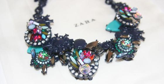 Zara Collier Kette mit geometrischen Steinen