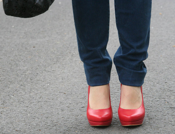 Red Shoes Day 2014 Pumps Outfit 04
