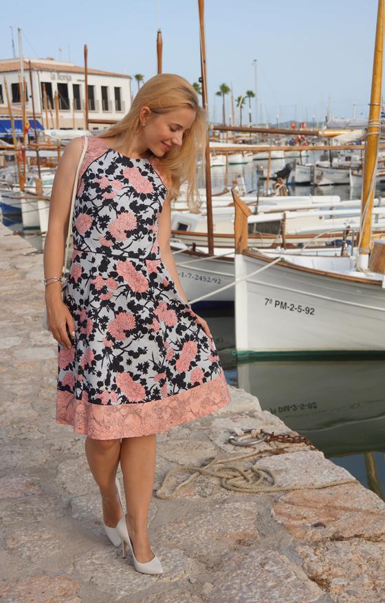 Bedrucktes Blumenkleid Outfit Oasis 04