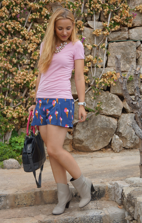 Laura Scott Stiefelette Outfit 03