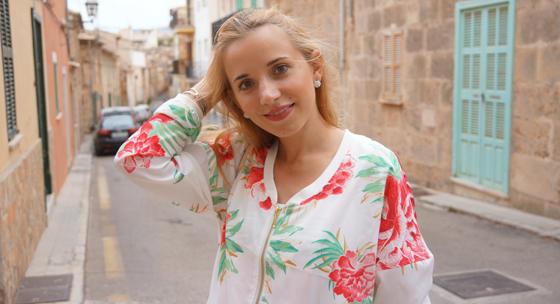 Outfit Laura Scott Blouson 01