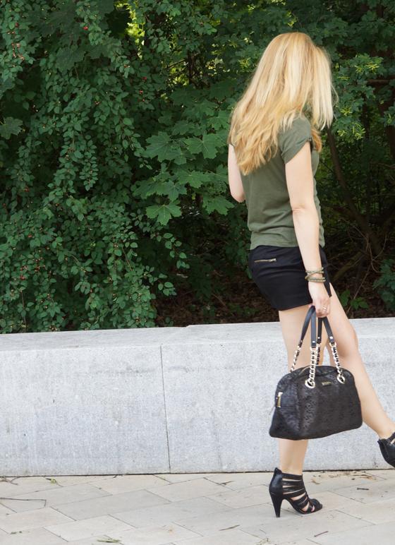 Outfit grün & schwarz 07