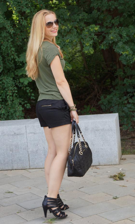 Outfit grün & schwarz 06