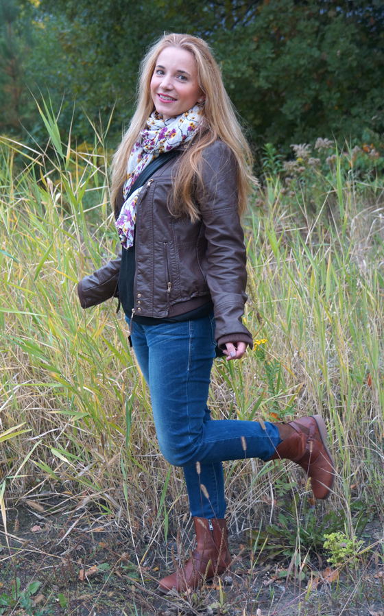 Teva Boots Outfit 2