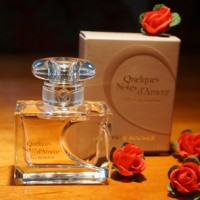 Yves Rocher Parfum Quelques Notes d'Amour 01